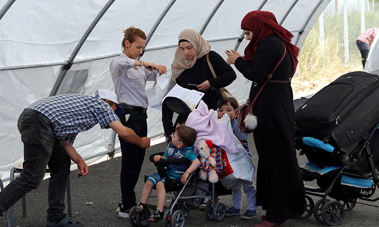 Suriyeli göçmenler, bayram için ülkelerine gitmeye başladı
