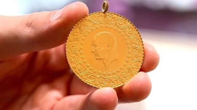 """""""Hacca gidiyorum, altınlarınızı okutup getireyim"""" diyerek dolandırdı"""