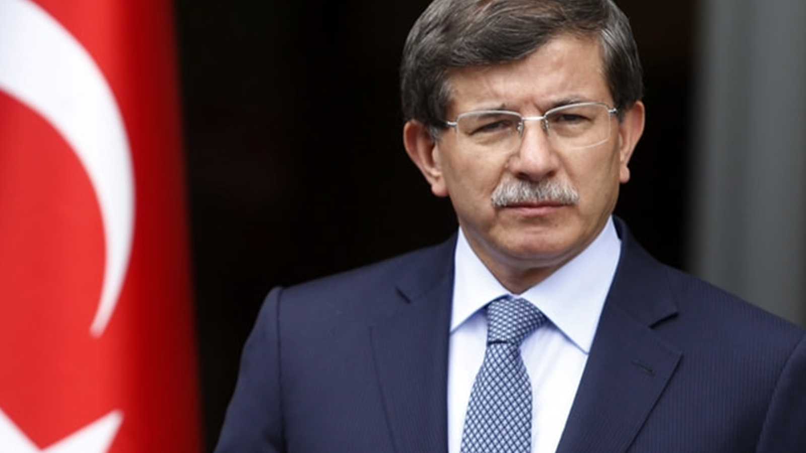"""Davutoğlu: Erdoğan'ın benden isteği """"Başbakan gibi görün ama başbakan gibi olma"""" idi"""