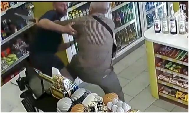 Markette kasiyer kadına tecavüz etmeye kalkıştı! Dehşet anları kamerada