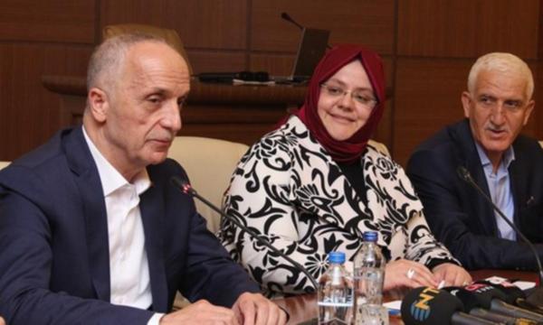 Sözleri büyük tepki çekmişti! Mikrofonu açık kalan Türk-İş Başkanı'ndan ilk açıklama