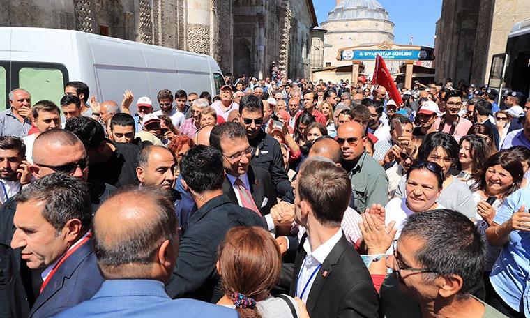Sivas'ta İmamoğlu izdihamı