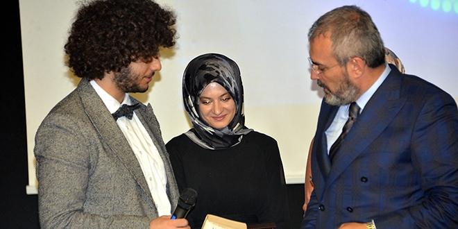 Bir milyonluk ödülü kazanan Arda'ya yoğun ilgi