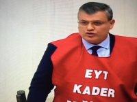 Milletvekili EYT Yeleğiyle Meclis Kürsüsüne Çıktı