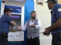 Kira parasını yutan ATM'yi parçaladı! Sebebi Şok etti