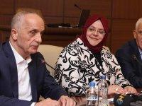 Türk iş Başkanı mülrofonu açık unuttu. Taşeron 4 D Maaşını neden onayladığı ortaya çıktı