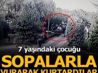 Vatandaşlar 7 yaşındaki çocuğu sopalarla vurarak kurtardı