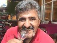 Bursa'nın İznik ilçesinde, Nusret Aktaş, 40 yıldır cam yiyor