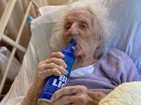 Koronavirüsü yenen 103 yaşındaki kadın ilk isteğiyle herkesi şaşırttı